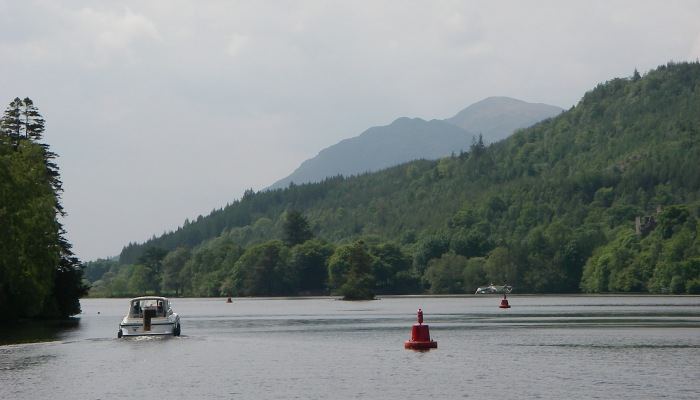 Entering Loch Oich